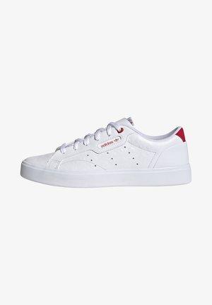 SLEEK - Sneakersy niskie - footwear white/scarlet/core black