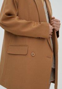PULL&BEAR - Short coat - brown - 5