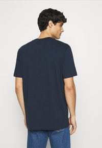 Selected Homme - SLHRELAXCOLMAN O NECK TEE - Basic T-shirt - navy blazer - 2