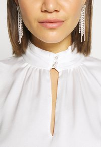 Forever New - PEARL BUTTON TOP - Blouse - white - 5