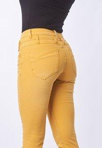 Buena Vista - Trousers - dark yellow - 2