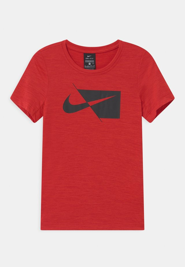 DRY  - T-shirt z nadrukiem - university red/black