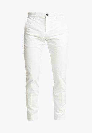 SLIM FIT FLEX PANT - Trousers - white