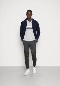 Pier One - Pantaloni sportivi - dark grey - 1