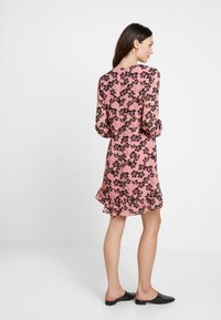 Moss Copenhagen - GRACIE SHORT DRESS - Day dress - light pink - 4