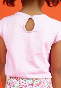 Du Pareil au Même - Print T-shirt - parma violet - 2