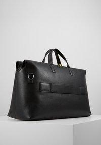 Calvin Klein - POCKET WEEKENDER - Sac week-end - black - 3