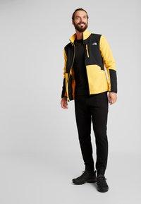 The North Face - GLACIER PRO FULL ZIP - Fleecejacke - yellow/black - 1