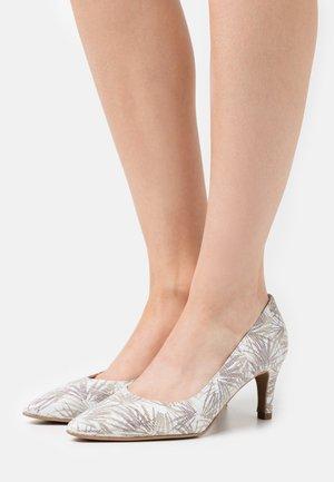 BENETT - Classic heels - beige