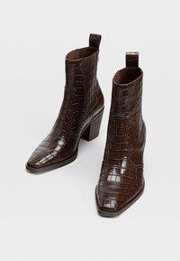 Stradivarius - Cowboy-/Bikerstiefelette - brown - 2