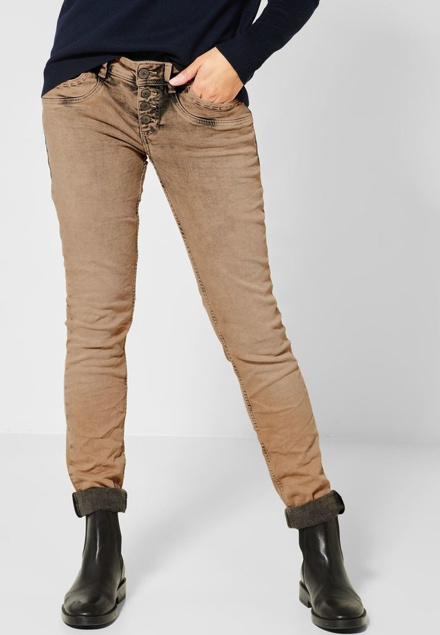 CRISSI - Slim fit jeans - brown