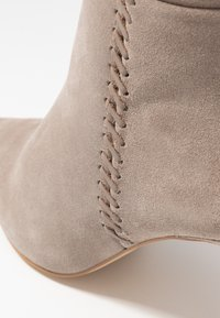Zign - Boots med høye hæler - taupe - 2