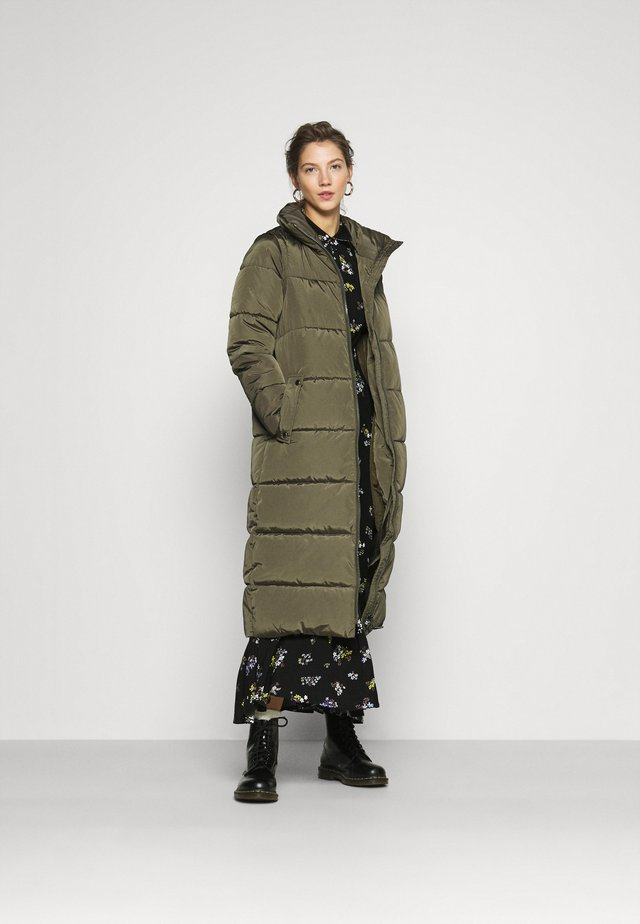 ONLISABEL X-LONG 2IN1 PUFFER  - Winter coat - kalamata