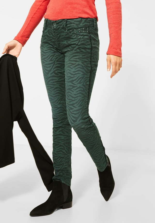 ZEBRA - Slim fit jeans - grün