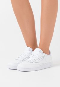 Reebok Classic - CLUB C 85 - Sneaker low - white/black - 0