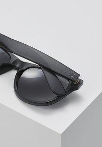 Vans - SPICOLI SHADES  - Okulary przeciwsłoneczne - black - 4