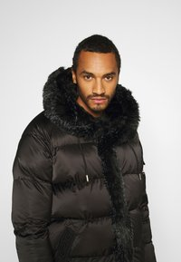 Glorious Gangsta - MAVIS  - Winter coat - black - 3