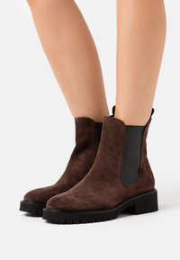 Högl - Classic ankle boots - brown - 0