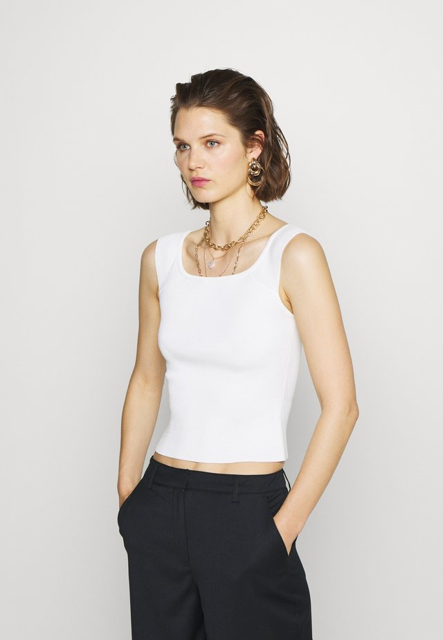 THE OFF THE SHOULDER - Topper - white