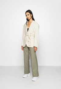 Monki - GABI - Manteau court - light beige - 1