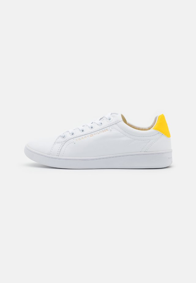 PREMIUM COURT  - Trainers - vivid yellow