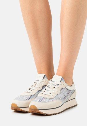 BEVINDA - Tenisky - beige/gray