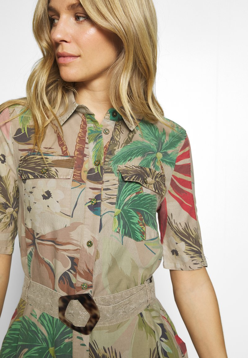 Desigual Vest Kate Robe Chemise Beige Safari Beige Zalando Fr