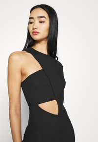 Missguided - CUT OUT ONE SLEEVE MIDI DRESS - Vestido ligero - black - 3