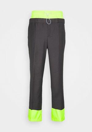 UNISEX LAYER TROUERS - Pantalon classique - grey