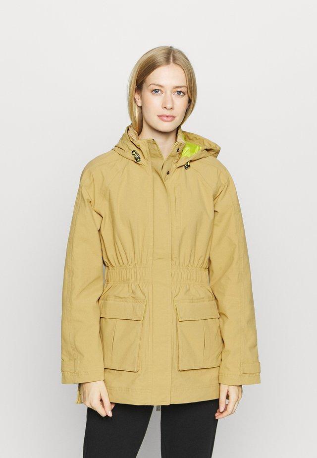 SNOWDONIA WATERPROOF HIKING JACKET - Outdoor jacket - camel brown