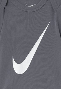 Nike Sportswear - BABY 3 PACK - Regalo per nascita - pink/white - 5