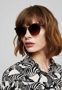 YOURTURN - Sunglasses - brown - 2
