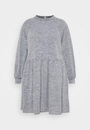 FUZZY RAGLAN - Pletené šaty - dark grey