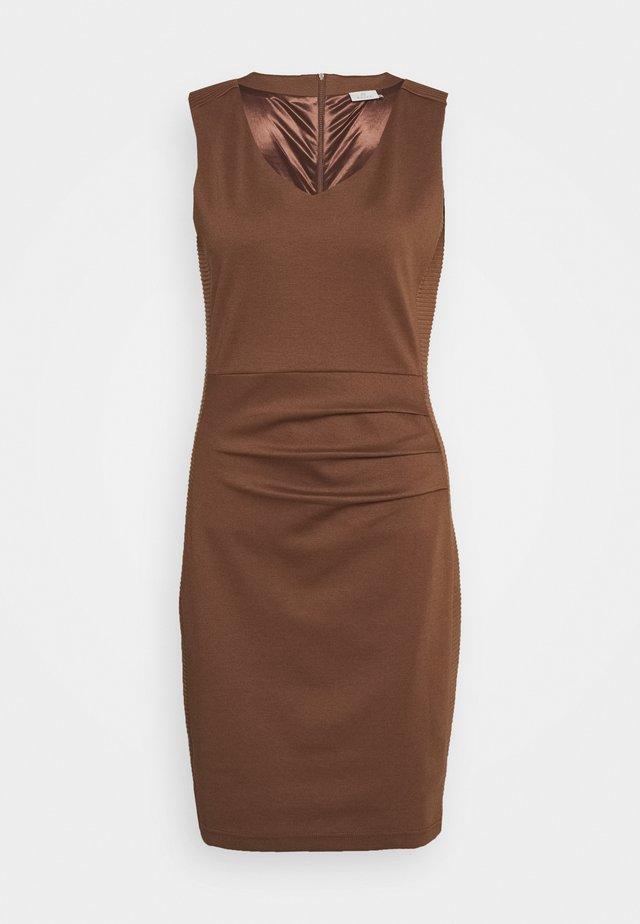 SARA DRESS - Robe fourreau - brown