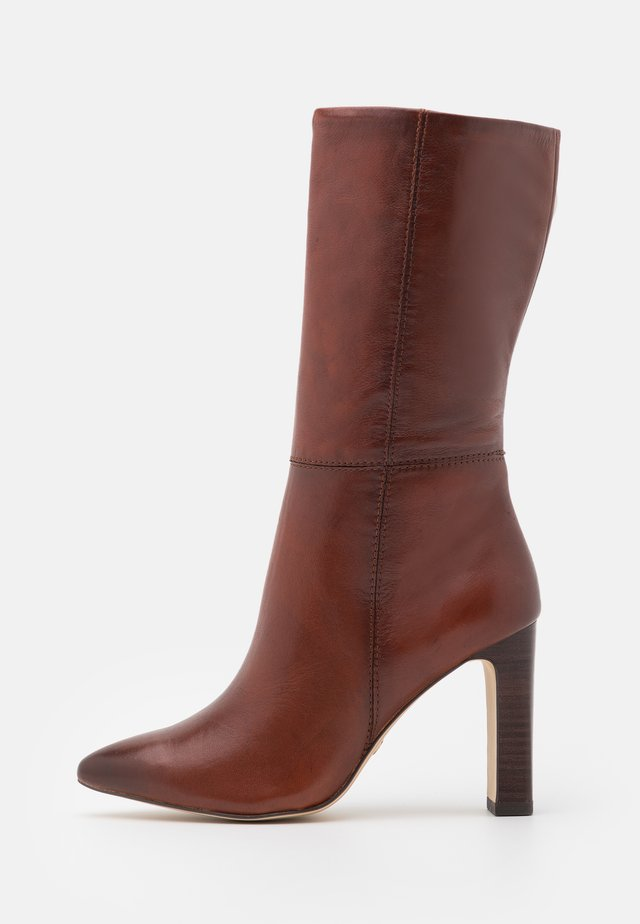 High heeled boots - cinnamon