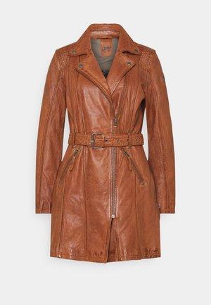DENNA - Krátký kabát - cognac