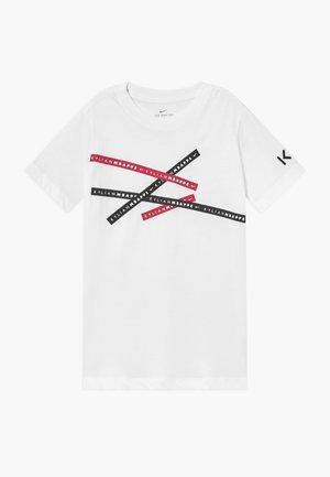 KYLIAN MBAPPE  - Camiseta estampada - white
