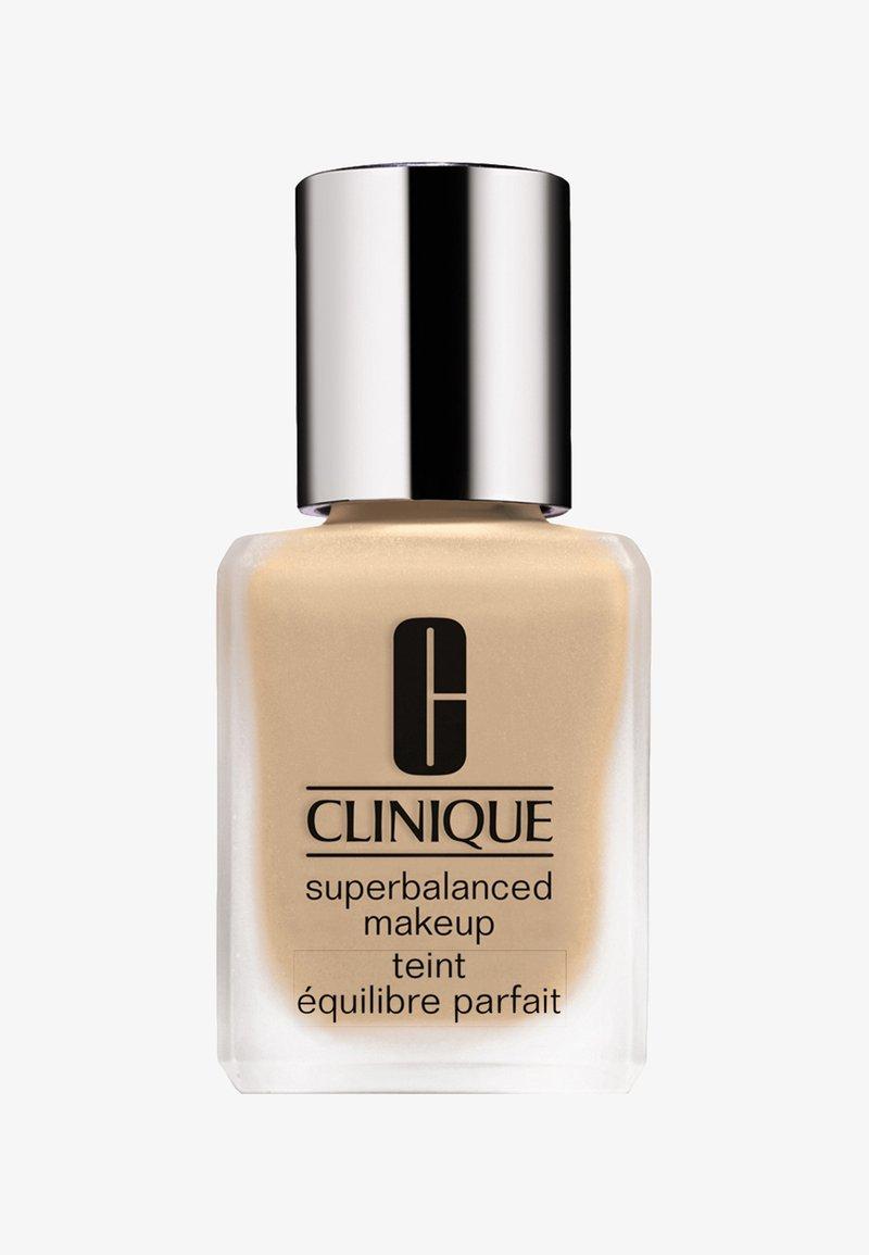 Clinique - SUPERBALANCED MAKE-UP - Foundation - 33 cream