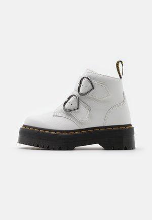 DEVON HEART - Kotníkové boty na platformě - white aunt sally