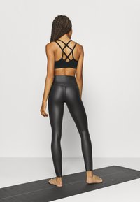 South Beach - WETLOOK HIGHWAIST LEGGING - Tights - black - 2