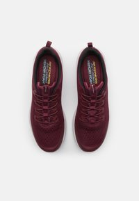 Skechers Sport - ULTRA FLEX 2.0 KELMER - Sneaker low - burgundy - 3