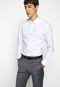 HUGO - KOEY - Formal shirt - open white - 3