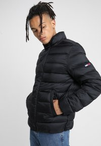 Tommy Jeans - LIGHT - Doudoune - black - 0