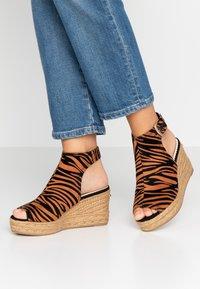 River Island Wide Fit - Højhælede sandaletter / Højhælede sandaler - orange - 0