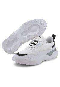 Puma - PUMA LIA WOMEN'S TRAINERS FEMALE - Sneakers basse - white - 3