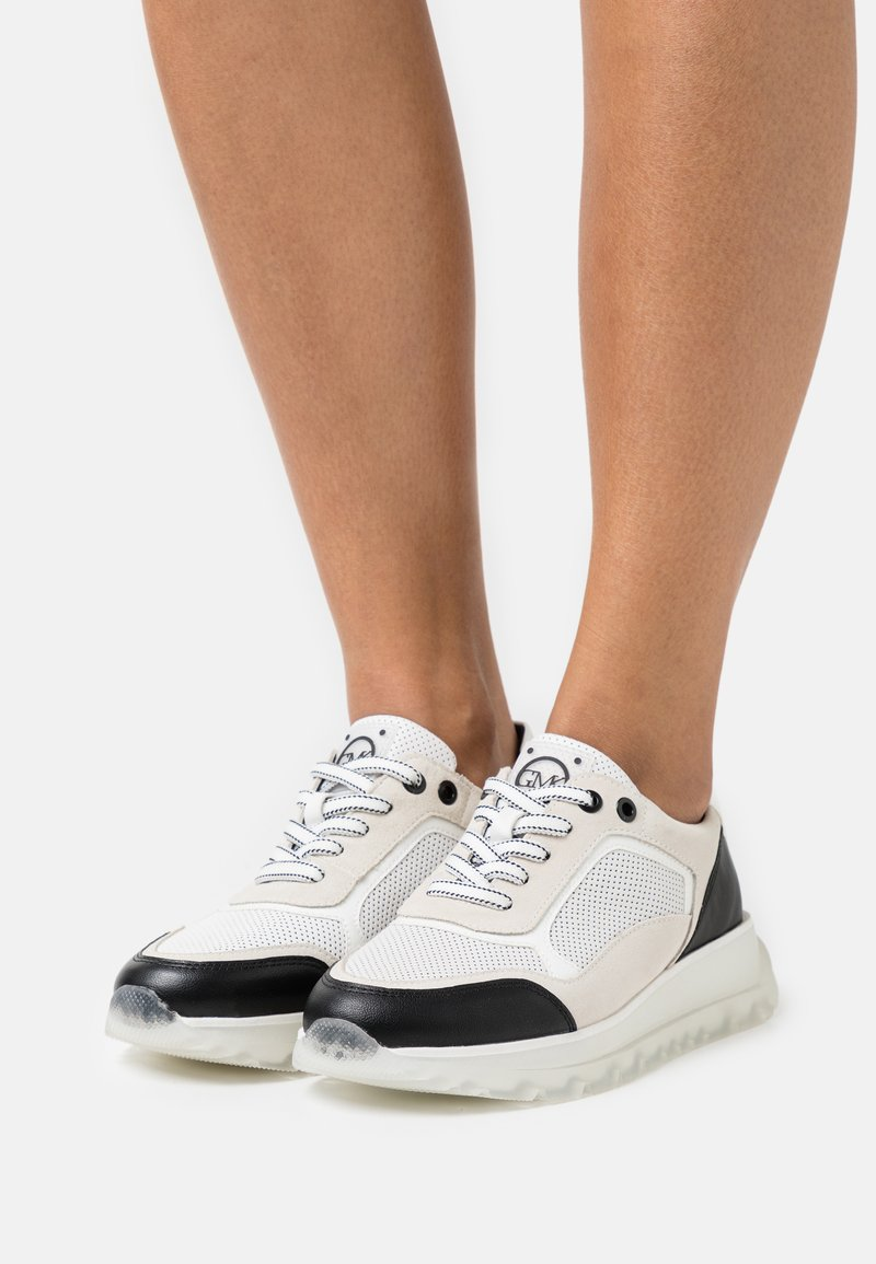 Marco Tozzi - BY GUIDO MARIA KRETSCHMER - Sneakersy niskie - white/black