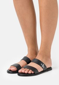 Calvin Klein Jeans - FLAT TWO STRAPS - Pantofle - black - 0