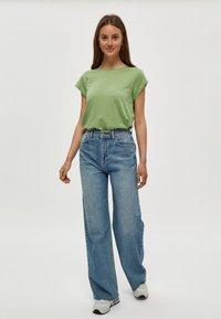 Minus - LETI - Basic T-shirt - pistachio - 1