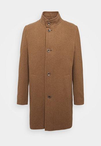 Pitkä takki - cognac