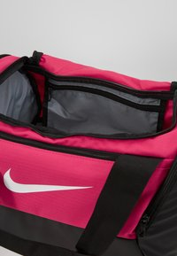 Nike Performance - Bolsa de deporte - rush pink/black/white - 4